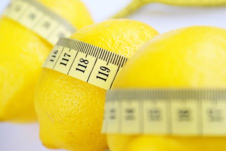 Clean the body of toxins will help lemon diet