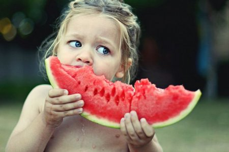 Can I eat watermelon and grapes with seeds? ..